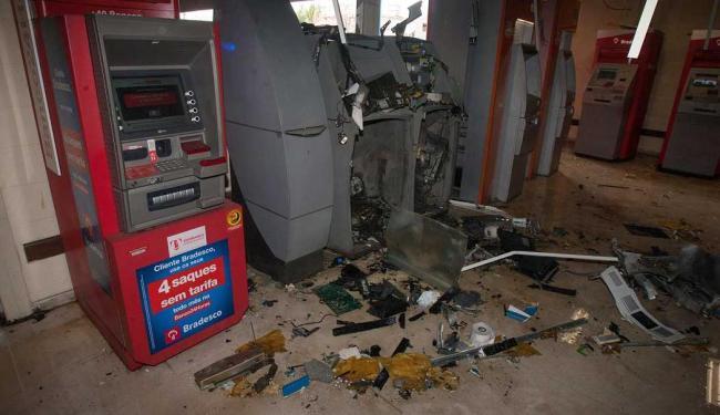 Dois caixas eletrônicos já tinham sido explodidos em fevereiro de 2013 - Foto: Dorivan Marinho | Ag. A TARDE