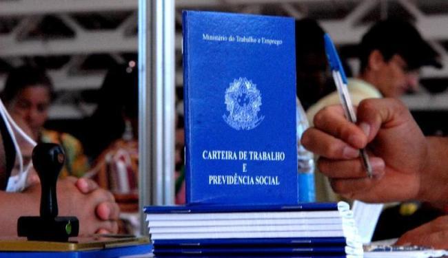 Em Salvador, há disponíveis 38 vagas para Bilheteiro de transportes coletivos, nesta terça-feira, 5 - Foto: Marcello Casal Jr | Ag. Brasil