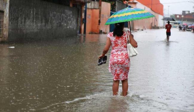 População deve se preparar pois chuva forte deve voltar na quinta-feira - Foto: Joá Souza | Ag. A TARDE
