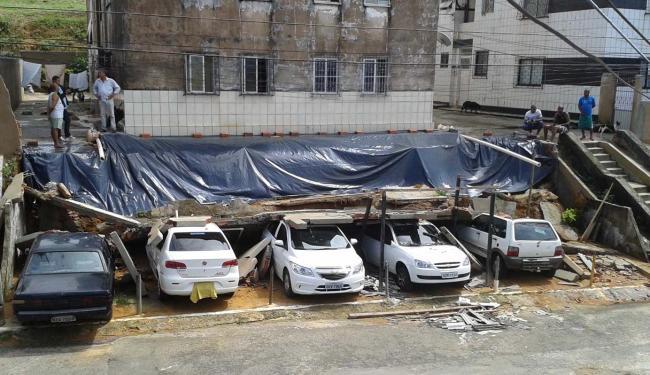 Com a chuva, a estrutura não suportou a pressão e cedeu - Foto: Cristiano Santana I Cidadão Repórter