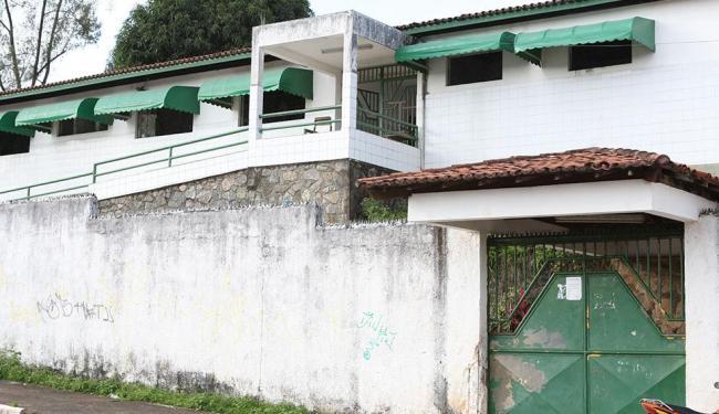 Colégio Santa Rita é um dos que ficarão sem aulas, por tempo indeterminado, caso não haja acordo - Foto: Vaner Casaes | Ag. A TARDE | 26.8.2011