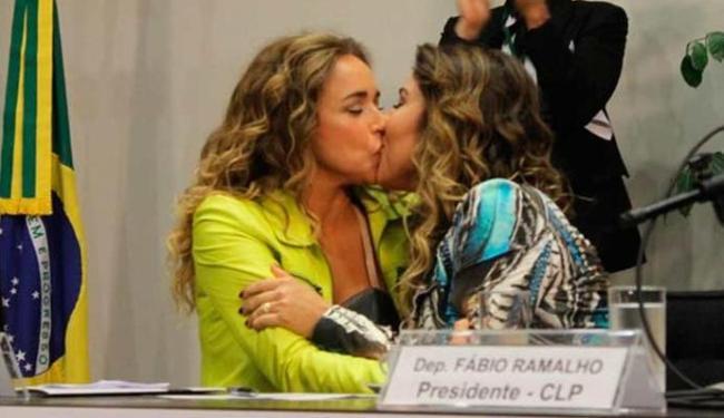 Daniela Mercury beijou Malu em evento LGBT - Foto: Fábio Borges   Ascom