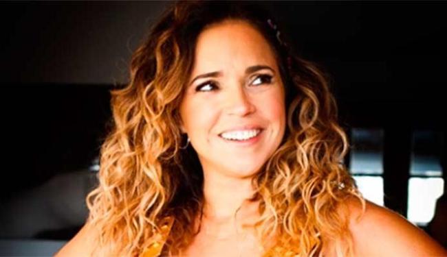 Daniela Mercury vai cantar sucessos autorais e forró - Foto: Celia Santos | Divulgação