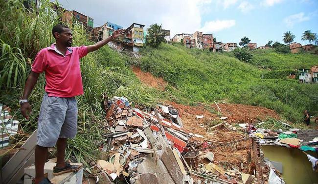 Paulo Marcelo, que sobreviveu em 1996, ajudou no resgate, mas perdeu familiares - Foto: Joá Souza | Ag. A TARDE