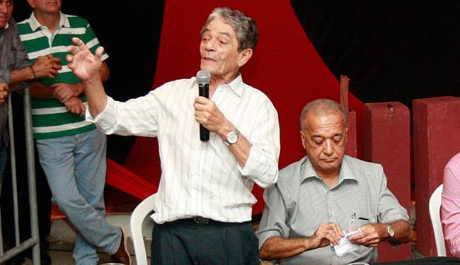 O presidente Raimundo Viana (à esq.) e o vice do Conselho, Silvoney Salles, não se entendem - Foto: Margarida Neide | Ag. A TARDE