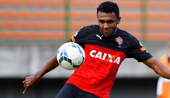 Dos 20 jogos do Vitória este ano, Ednei participou de 19, todos como titular - Foto: Eduardo Martins | Ag. A TARDE