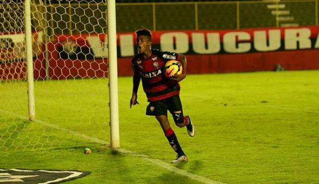 Eronildo marcou o primeiro gol do Vitória no jogo - Foto: Margarida Neide | Ag. A TARDE