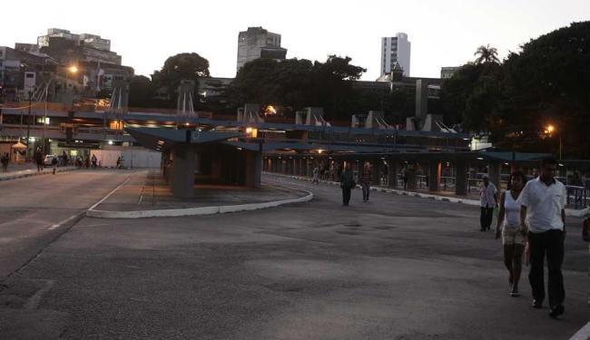 Crime aconteceu quando motorista espera horário para sair - Foto: Mila Cordeiro | Ag. A TARDE