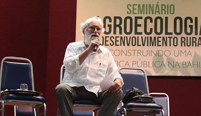 Ex-frade franciscano, Leonardo Boff falou em Salvador sobre 'A ecologia e os dilemas do desenvolvime - Foto: Lúcio Távora l Ag. A TARDE