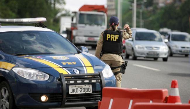 Polícias rodoviárias divulgaram balanços de operações durante o feriado - Foto: Joá Souza   Ag. A TARDE