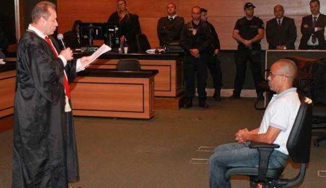 Após 10 horas e 20 minutos de julgamento, Beira-Mar foi considerado culpado - Foto: OSVALDO PRADDO/AGÊNCIA O DIA/AGÊNCIA O DIA/ESTADÃO CONTEÚDO
