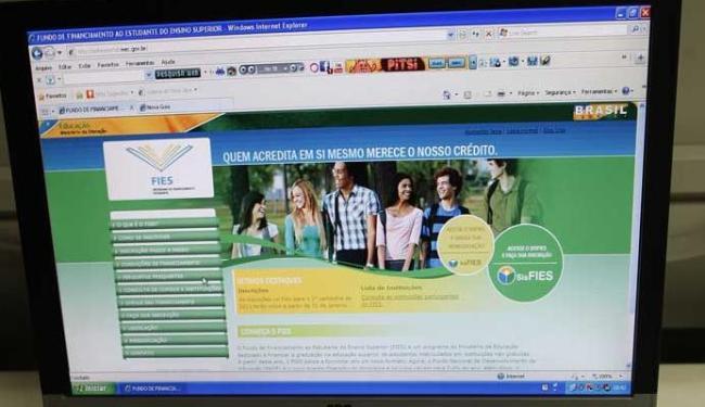 MEC alegou não ter orçamento para bancar novos contratos de financiamento estudantil - Foto: Margarida Neide | Ag. A TARDE