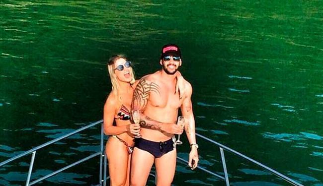 Gusttavo e Andressa aproveitam alguns dias de folga no Guarujá - Foto: Reprodução   Instagram
