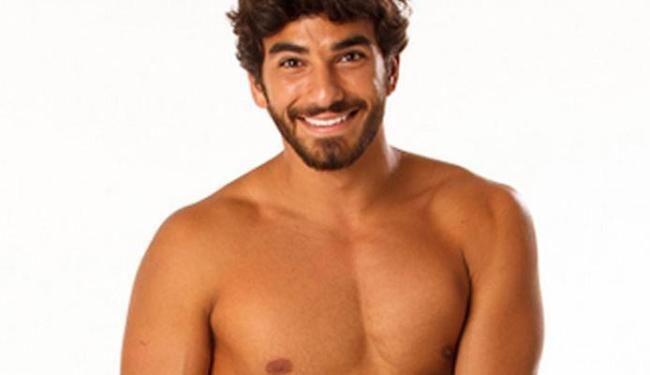 O surfista mostrou que leva jeito como modelo - Foto: Divulgação