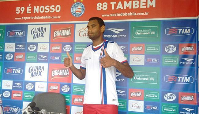 Novo reforço da zaga tricolor foi apresentado na segunda-feira - Foto: Divulgação l E.C. Bahia