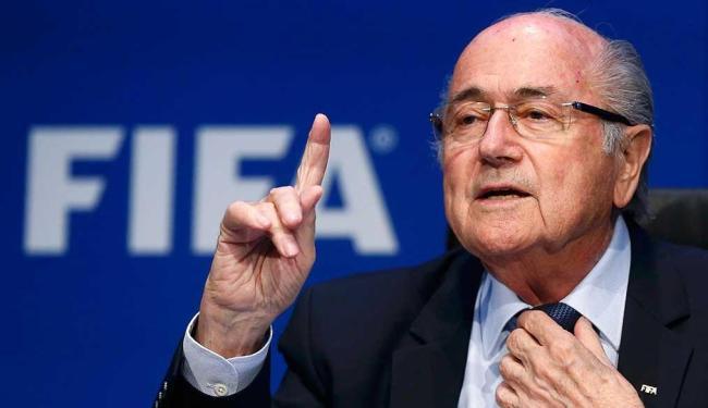 Blatter foi eleito para mais um mandato de quatro anos à frente da Fifa - Foto: Arnd Wiegmann | Agência Reuters
