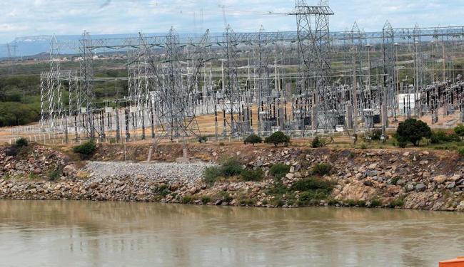 Estação elétrica à margem do Lago de Sobradinho, que tem vazão ampliada para conter dano ambiental - Foto: Lúcio Távora | Ag. A TARDE
