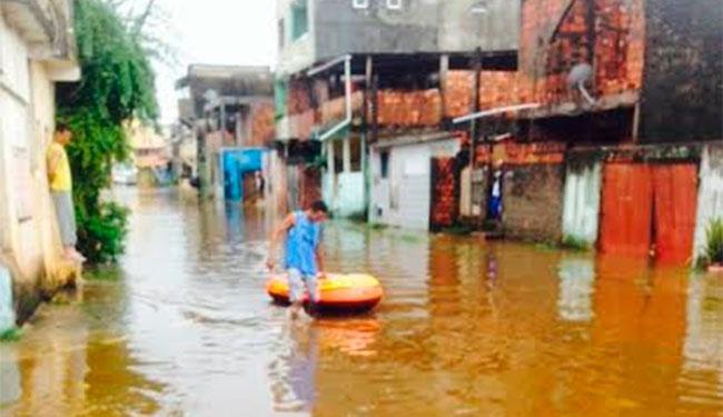 Chuva alagou diversos bairros de Lauro de Freitas - Foto: Divulgação | Defesa Civil