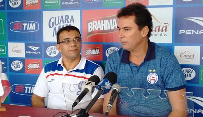 Lulinha Tavares (E) vai orientar jogadores a alcançar metas pessoais e do próprio time - Foto: Felipe Oliveira l Divulgação l E.C. Bahia