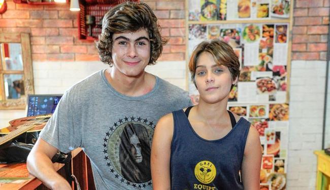 Pedro (Rafael Vitti) e Karina (Rafaella Santoni) formam o casal protagonista de Malhação - Foto: Divulgação