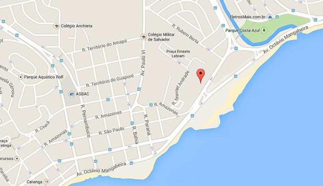 Semáforo na rua Fernando Menezes Góes, na Pituba, está apagado - Foto: Reprodução   Google Maps