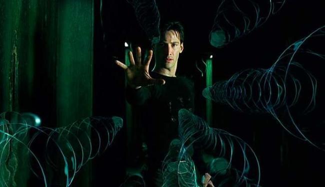 Neo, personagem principal de Matrix, consegue se libertar do domínio das máquinas - Foto: Divulgação