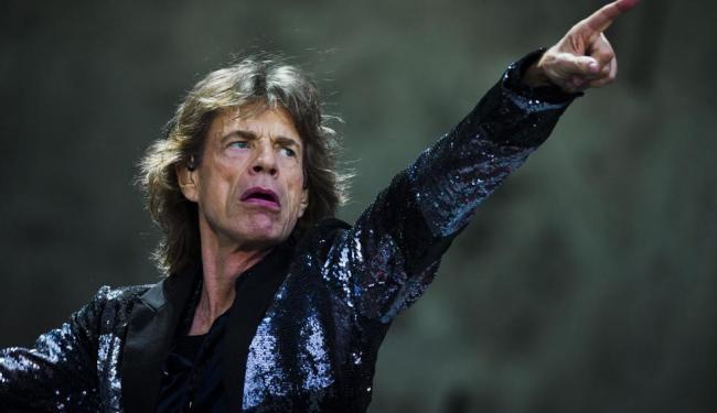 Ronnie Wood e Mick Jagger, dos Rolling Stones, que gravaram canção em benefício do Nepal - Foto: Reuters | Thomas Peter