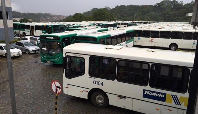 Caso a greve seja aprovada, Salvador ficará sem ônibus na próxima quarta-feira, 20 - Foto: Luciano da Matta | Ag. A TARDE