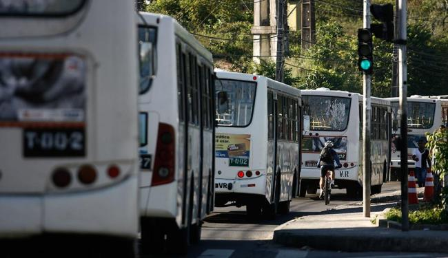 Trabalhadores ainda não decidiram quando pretendem parar - Foto: Raul Spinassé | Ag. A TARDE
