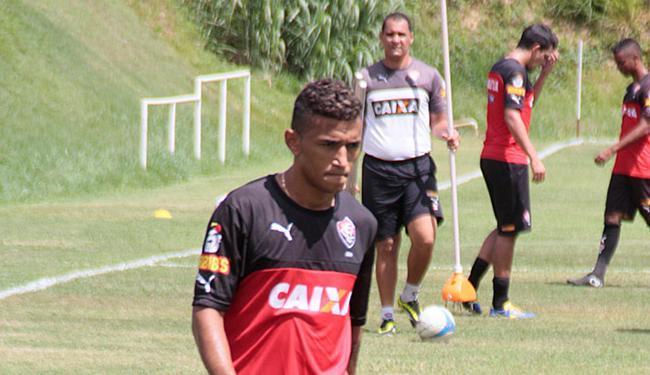 O atacante Rogério, com dores na coxa, foi vetado - Foto: Edilson Lima   Ag. A TARDE