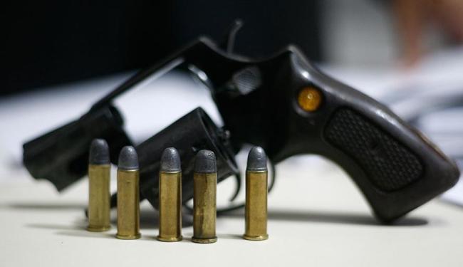 Quatro pessoas foram assassinadas com armas de fogo em Simões Filho - Foto: Raul Spinassé | Ag. A TARDE