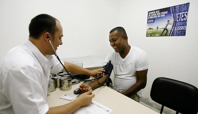 Entre vagas disponíveis, cinco são para técnico de enfermagem de terapia intensiva - Foto: Raul Spinassé | Ag. A TARDE
