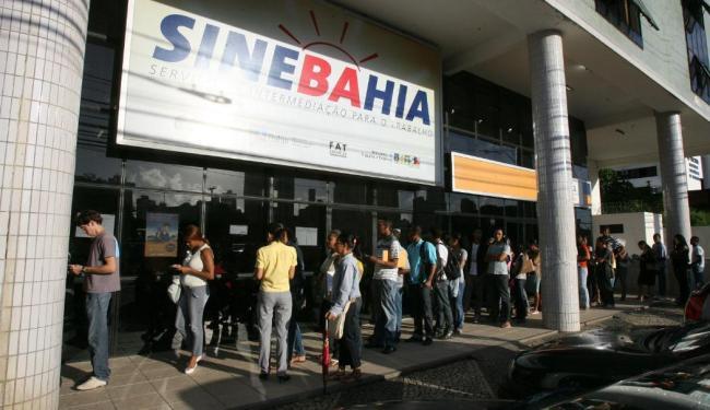 Em Salvador, estão disponíveis oito vagas para auxiliar de manutenção predial - Foto: Arestides Baptista | Ag. A TARDE