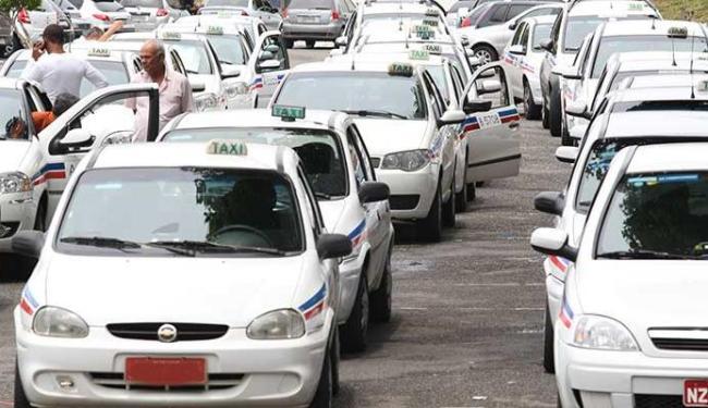 Radares foram programados para não multar taxistas que circulem pela região - Foto: Vaner Casaes  Ag. A TARDE