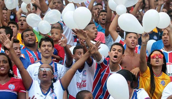 Torcida tricolor poderá apoiar o time na próxima quarta-feira - Foto: Lúcio Távora   Ag. A TARDE