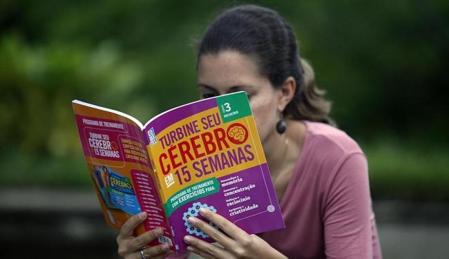 Com selo-desconto, fascículos são vendidos por R$ 9,90 - Foto: Lúcio Távora | Ag. A TARDE