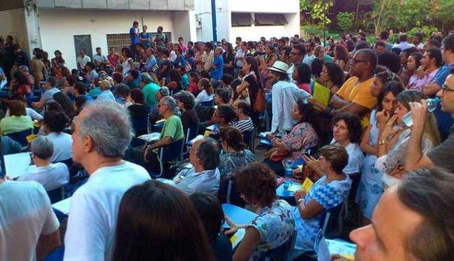 Assembleia dos docentes da UFBA nesta quinta-feria, 28 - Foto: Leandro Colling | Reprodução | Facebook