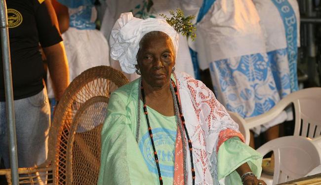 Yalorixá tinha 90 anos e fazia tratamento contra um câncer - Foto: Xando P. | Ag. A TARDE Data: 17/02/2007