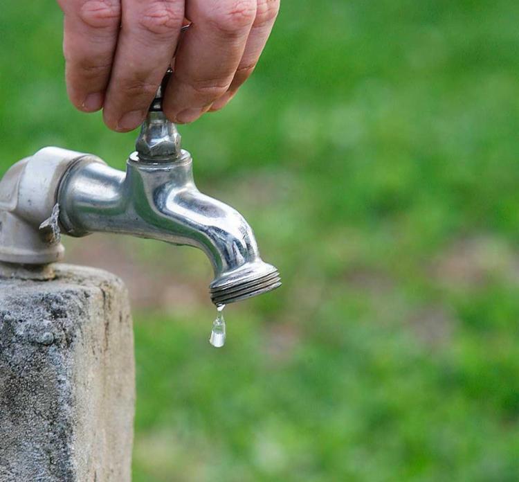 Abastecimento de água deve ser normalizado gradativamente às 20h desta quarta - Foto: Joá Souza | Ag. A TARDE
