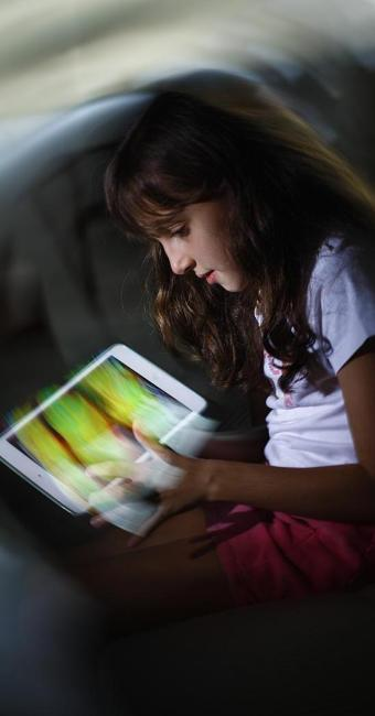 O aplicativo favorito de Clara Dias, 9, é o do jogo Minecraft - Foto: Fernando Vivas | Ag. A TARDE | 02.06.2015