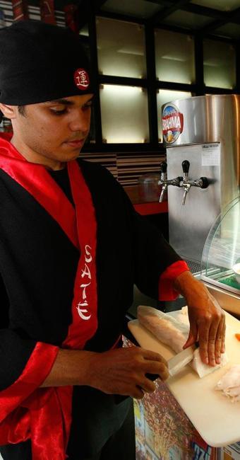 Seis vagas para sushiman estarão disponíveis em Salvador - Foto: Reginaldo Pereira | Ag. A TARDE