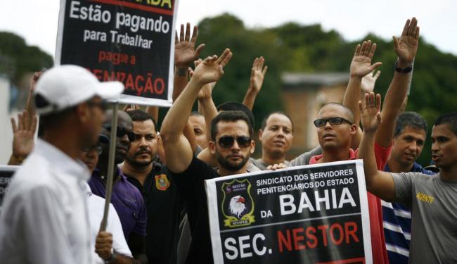 Agentes permaneceram 11 dias em greve - Foto: Raul Spinassé | Ag. A TARDE