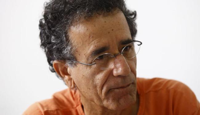 O pesquisador Altino Bomfim critica o uso excessivo de agrotóxicos - Foto: Fernando Vivas | Ag. A TARDE