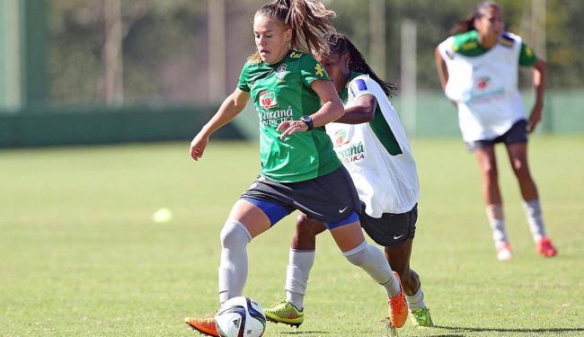 Andressa, 20, é a grande aposta do técnico Vadão para o meio de campo nesta Copa do Mundo - Foto: Rafael Ribeiro | CBF | Divulgação | 08.06.2015