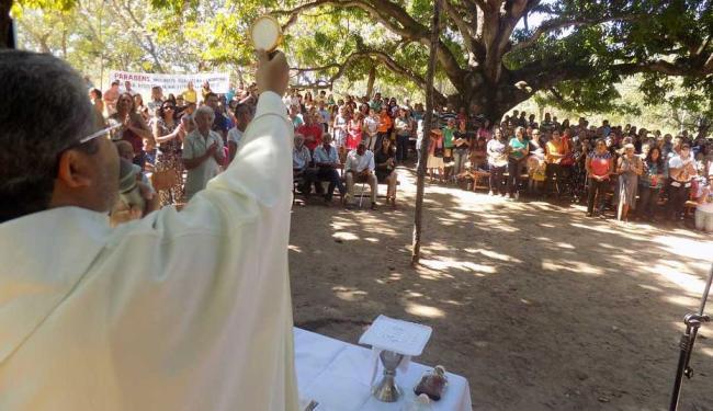 Padre Ariovan Gonçalves celebra Primeira Romaria das Águas e dos Gerais - Foto: Miriam Hermes | Ag. A TARDE
