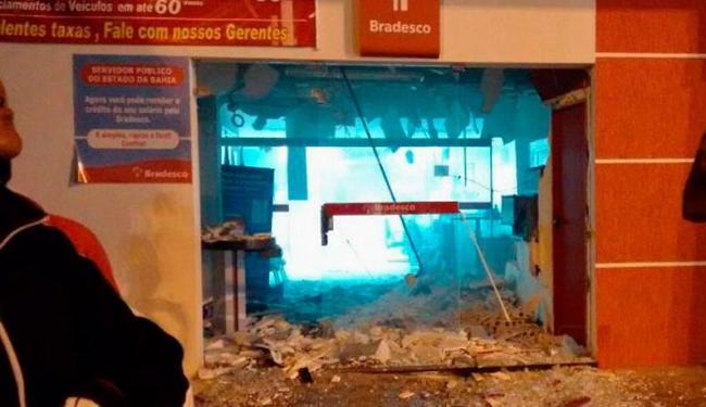 Banco Bradesco ficou destruído após explosão provocada pelos criminosos - Foto: Reprodução | Valente Notícias