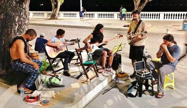 Bandas vão se apresentar gratuitamente no Porto da Barra - Foto: Divulgação