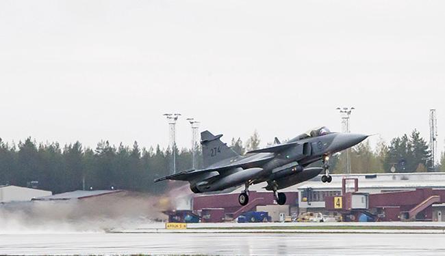 Esse o segundo acidente com um caça Gripen da Hungria em menos de um mês - Foto: Susanne Lindholm l Reuters
