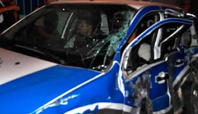 O PM Nogueira que estava no volante ficou preso nas ferragens - Foto: Reprodução | Site Teixeira News