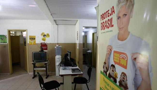 Sede do Conselho Tutelar no bairro de Pernambués, uma das unidades já com a reforma em andamento - Foto: Marco Aurélio Martins | Ag. A TARDE